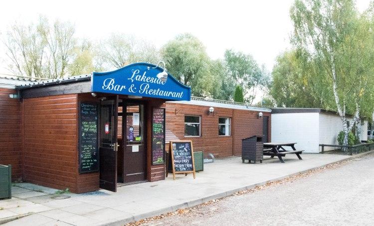 lakeside-restaurant-4-of-33